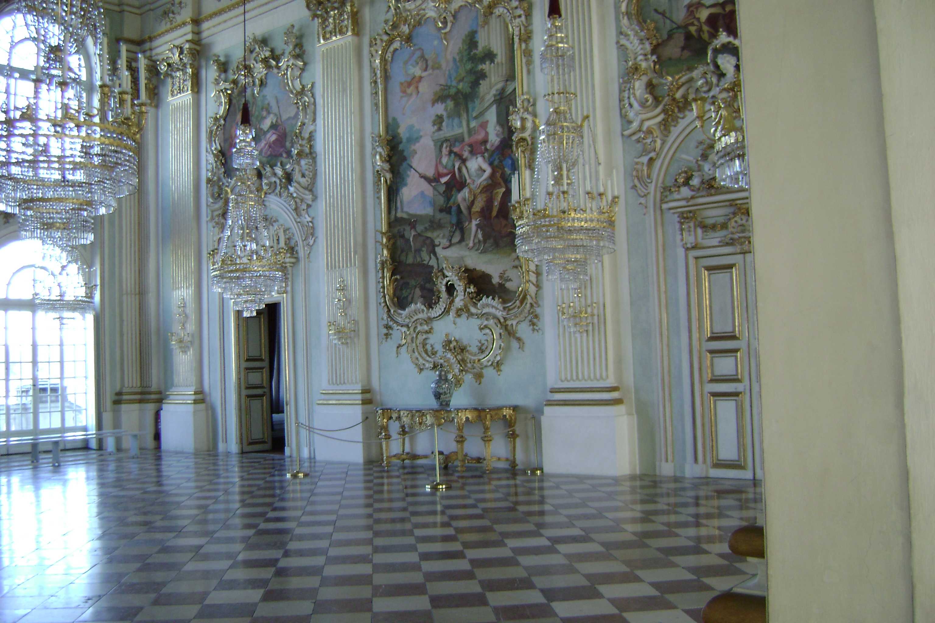 nymphenburg_chandeliers2